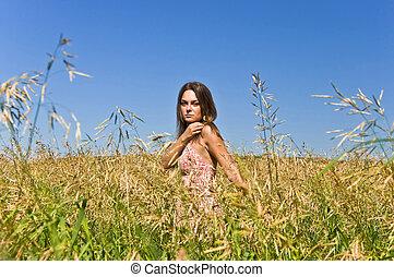 gyönyörű, parkosít., nő, kezezés., fiatal, mező, rye., érint, vidéki, betakarít, fülek