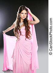 gyönyörű, rózsaszínű, nő, sifón, h, fiatal, makeup., dress., hullámos, hosszú