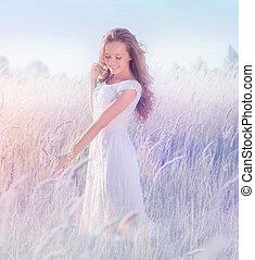 gyönyörű, tizenéves, romantikus, természet, formál, élvez, leány