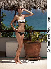 gyönyörű woman, fiatal, bikini.