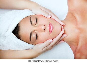 gyönyörű woman, fiatal, massage., arcápolás, felfogó