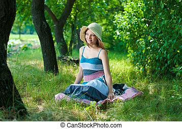 gyönyörű woman, liget, fiatal, ülés