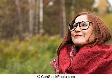 gyönyörű woman, liget, fiatal, ősz, portré