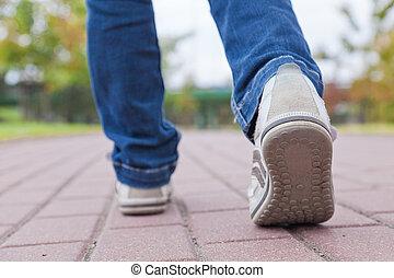 gyalogló, útburkolat, sport cipő