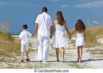 gyalogló, család, atya, anya, tengerpart, gyerekek