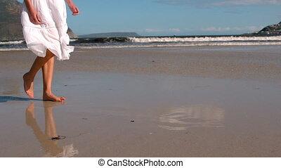 gyalogló, fehér, nő, ruha, tengerpart
