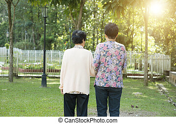 gyalogló, kert, liget, öregedő, asian women, hátsó kilátás
