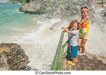 gyerekek, 2 nap, idő, tengerpart, játék, boldog