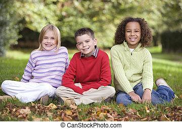 gyerekek, csoport, kert, ülés