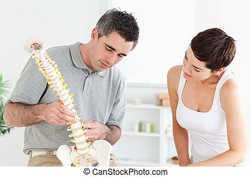 hátgerincmasszázzsal gyógyító, látszó, türelmes, formál, gerinc