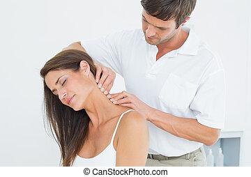 hátgerincmasszázzsal gyógyító, nyak, woman's, fiatal, hím, masszázs
