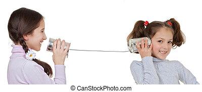 húr, telefon, gyerekek, konzerv befőz, játék