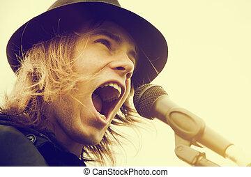haj, kiabálás, fiatal, szüret, microphone., ember, zene, kalap, hosszú