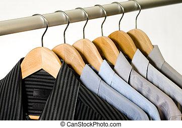 hangers., ruha ing
