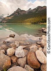 hegy tó, táj