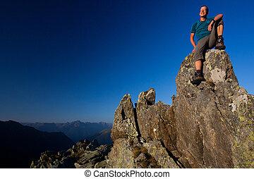 hegyek, élvez, fiatal, napkelte, ember