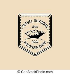 hegyek, külső, parkosít., logo., tábor, címke, adventures., vektor, csípőre szabott, retro, jelvény, kéz, húzott, aláír, idegenforgalom