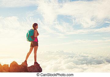 hegyek, nő, napnyugta, természetjárás