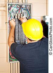 helyettesít, villanyszerelő, cb rádiós