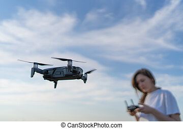 henyél, ellen, föld, gyönyörű, ellenőrzés, ég, sunset., repülés, női, felül, pilot.