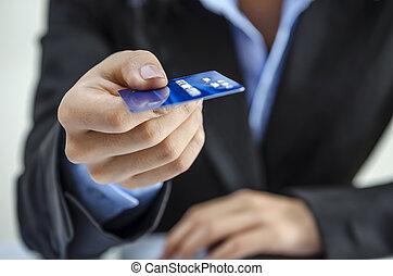 hitel, ellátás, kártya