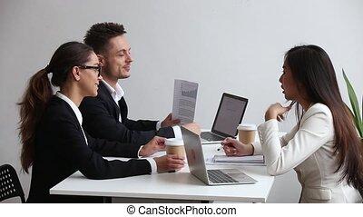hivatal, üzletvezető, beszéd, különböző, ötletvihar, sportcsapat találkozik