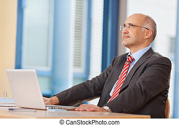 hivatal, laptop, feláll, látszó, íróasztal, üzletember