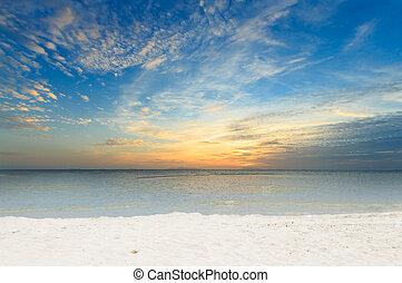homok tengerpart, hajnalodik, drámai, sziget, körképszerű, ég, tenger, samui, thaiföld, fehér
