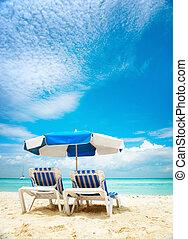 idegenforgalom, sunbeds, concept., tengerpart szünidő