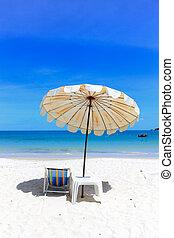 idillikus, esernyő, homok, tropikus, holidays., szék, tengerpart