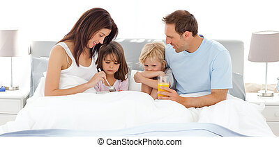 imádnivaló, otthon, birtoklás, gyerekek, -eik, szülők, reggeli, ágy