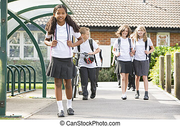 iskolások, ifjú, kilépő