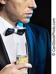 ivás, pezsgő, fiatalember