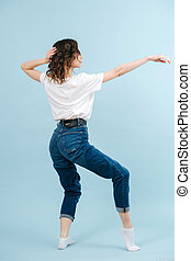járás, 1 lábfej, kortárs, lábujjak, táncos, neki, elegáns