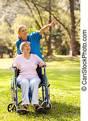 jár, meghibásodott, türelmes, bevétel, öregedő, ápoló