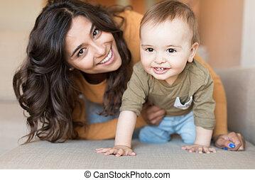 játék, csecsemő, neki, anya