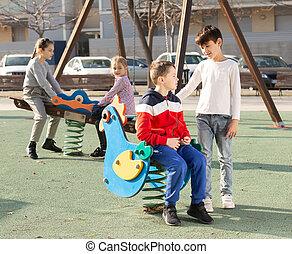 játék, gyerekek, játszótér