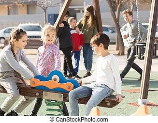 játszótér, gyermekek játék