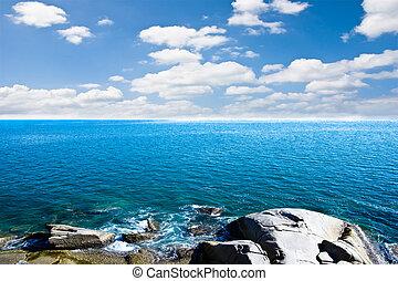 kék ég, tenger