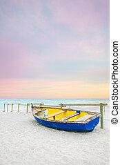 kék, öreg, fából való, sárga, napnyugta, white tengerpart, csónakázik