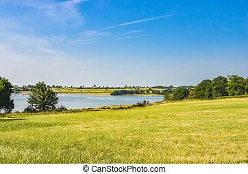 kék, leicestershire, víz, rutland, keresztül, nagy, grass., ég, kilátás, gyűjtőmedence