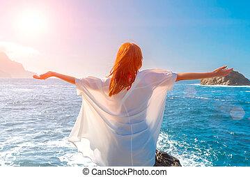 kék, tengerpart, emelés, ég, ing, fegyver, fárasztó, sunshine., redheadwoman, boldog, ocean., lélegzés, friss levegő, fehér