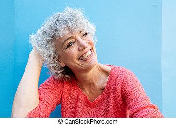 kék, vidám woman, mosolygós, fal, idősebb