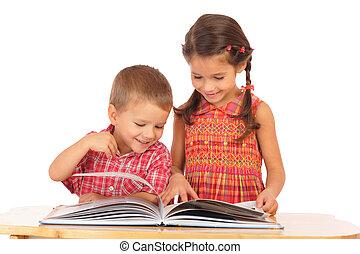 két, könyv, íróasztal, mosolygós, felolvasás, gyerekek