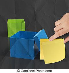 kívül, gyűrött, gondolkodó, kottapapír, nyúlós, doboz