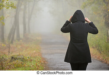 ködös, nő, erdő