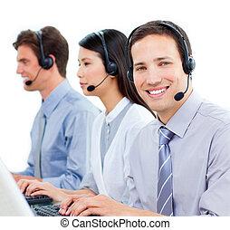 középcsatár, dolgozó, hívás, ügynökök, vásárló, becsvágyó, szolgáltatás