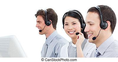középcsatár, dolgozó, hívás, ügynökök, vevőszolgálat, önző