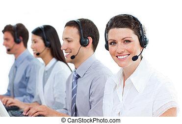 középcsatár, pozitív, dolgozó, hívás, ügynökök, vevőszolgálat