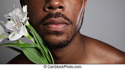 közelkép, afrikai, felett, shirtless, szürke, fiatalember, háttér., virág, fehér